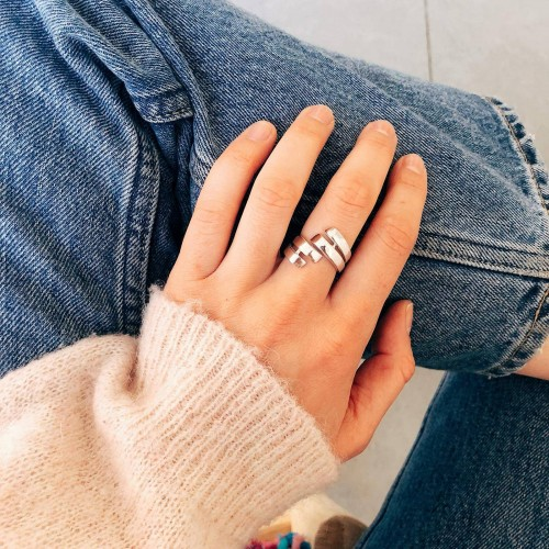 Lucia ring